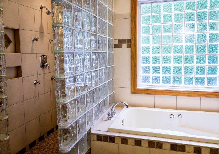 salle-de-bain-briquesdeverre